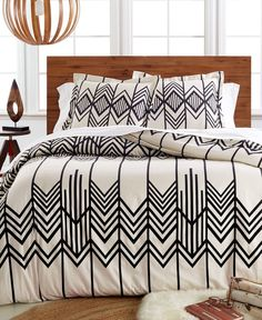 Southwest-inspired geometric patterns make a modern impression on Pendleton's Skywalker flannel duvet cover. An ivory ground sports bold contrast designs over our cotton flannel that enhance the appea