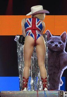 Miley virus Upskirt