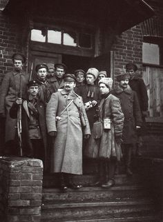 Uniforms escort teams of the Red Army military leaders - Leon Trotsky with his guards. 1919. From the collection of TsGAKFFD St. Petersburg.