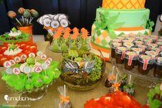 Faça uma festa cheia de cores, fósseis e dinossauros incríveis! A festa dinossauros é sucesso garantido entre os meninos.