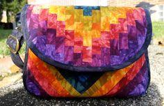HipBag Hybrid Sewn by Diane Rhodes (of Monroeville, PA). Handbag Patterns, Bag Patterns To Sew, Sewing Patterns, Quilt Patterns, Quilted Handbags, Quilted Bag, Sewing Crafts, Sewing Projects, Sewing Ideas