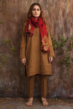 Pretty pink 3 piece traditional dress by Nida Azwer Pakistani luxury pret collection Pakistani Fashion Party Wear, Pakistani Formal Dresses, Pakistani Wedding Outfits, Pakistani Dress Design, Indian Outfits, Indian Dresses, Indian Fashion, Stylish Dress Designs, Stylish Dresses