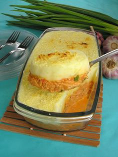Portuguese Recipes, Carne, Mousse, Lasagna, Pork, Food And Drink, Turkey, Pudding, Chicken