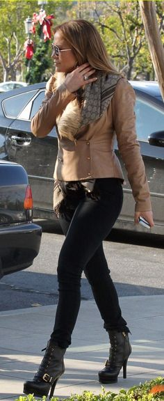 Almost always love J Lo's style <3
