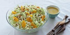 Spidskålssalat med appelsin og mandler