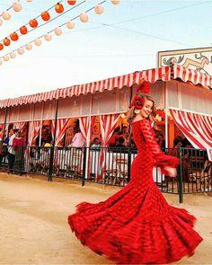 The Seville Fair // feria de abril Travel Outfit Summer, Summer Outfits, Travel Outfits, Outfits For Spain, Spain Travel Guide, Mexico Style, Flamenco Dancers, Dream Dress, Fashion Outfits
