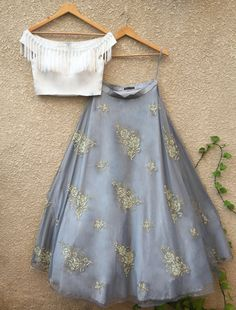Indian Gowns Dresses, Indian Fashion Dresses, Indian Designer Outfits, Indian Outfits, Designer Dresses, Fashion Outfits, Lehnga Dress, Lehenga Blouse, Lehenga Crop Top