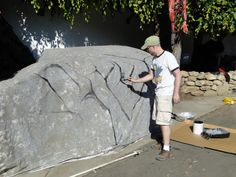 Hide large objects with tarps - Paint to look like a giant boulder or other ideas to blend into the haunt scene. Halloween 2011 at Dick Van Dykes House: The Biggest Yet! Halloween Tips, Halloween Outside, Halloween Circus, Halloween Graveyard, Halloween 2013, Halloween Haunted Houses, Creepy Halloween, Halloween House, Holidays Halloween
