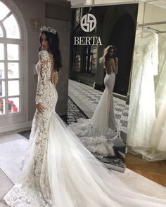 "349 curtidas, 6 comentários - Berta NYC (@berta.nyc) no Instagram: ""This epic @berta style 16-27 available at our NYC store ❤️ For special off-the-rack prices …"""