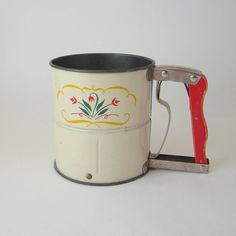 Vintage Flour Sifter, Androck Hand-i-Sift, Cream with Red Tulips, Retro Mid-Century Kitchenware 1950s