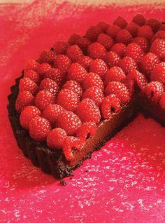 Ricardo& recipe : Ganache and Raspberry Tart Raspberry Ganache, Tart Recipes, Sweet Recipes, Baking Recipes, Pie Dessert, Dessert Recipes, Fruit Dessert, Ricardo Recipe, Sweets