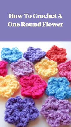 Crochet Stitches For Beginners, Beginner Crochet Projects, Knitting For Beginners, Free Crochet Patterns For Beginners, Crochet Flower Tutorial, Crochet Instructions, Easy Crochet Flower, Easy Things To Crochet, Free Crochet Flower Patterns