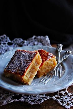 old-fashioned apple pie ~ ~ Hungarian Cake, Hungarian Recipes, Sweet Cookies, Sweet Treats, Old Fashioned Apple Pie, Hungary Food, Baking Muffins, Something Sweet, Creative Cakes