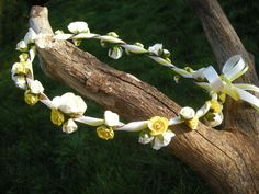 Wild Rose Wedding hair garland by BloomingLoopy.com - in Yellow and Ivory for an Easter Bride - made to measure (wide choice of colours available)