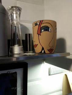 Uusi kahvimuki, vielä polttamatta