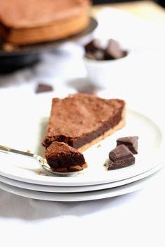 Une tarte au chocolat à la texture de fondant au chocolat : L'intensité du chocolat avec une pâte croustillante et une texture fondante !