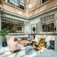 Photo ©Seth Powers, architecture photographer in Shanghai. WeWork Weihai Road resides in the historical building originally built in the A former opium factory and artist residence, now transformed into a modern co-working space. Office Space Design, Workspace Design, Coworking Space, Exterior Design, Interior And Exterior, Outdoor Companies, Office Pictures, Real Estate Office, Studio Interior