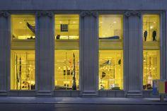CALVIN KLEIN 麦迪逊大道旗舰店重装开业,这是 Raf Simons 全面改造的又一步 | 理想生活实验室