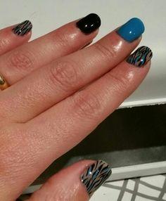 Azul y negras