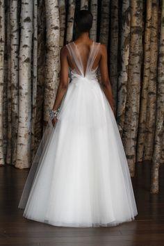 Vestido de noiva tule com decote diferente nas costas - Bridal Naeem Khann
