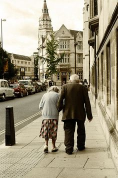 My heart melts a little each time I see old couples together. Soo sweet!!