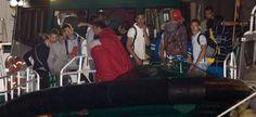 Rescatados 22 inmigrantes de una patera frente a las costas de Almería | Política | EL PAÍS