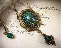 Renaissance Necklace, Emerald Jewel Necklace, Tudor Costume, Garb, Medieval Wedding, Ren Faire, Renaissance Pendant Necklace, Ready to Ship