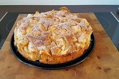Supersaftiger Apfelkuchen Super Juicy Apple Pie Related Post Cast-Iron Figgy Brie Rolls 10 Keto Dessert Recipes for Weight Loss Chewy M&M Cookie Bars Chocolate Brownie And Mousse Trifle Apple Pie Recipes, Apple Desserts, Cake Recipes, Dessert Recipes, Easter Recipes, Bread Recipes, Dessert Oreo, Best Pancake Recipe, Food Cakes