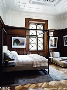 crazy gorgeous moldings and floor, this bedroom is amazing | 27-masculine-bedroom-dpages-blog
