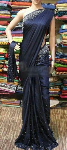 67 Ideas Hairstyles Indian Garba For 2019 Simple Sarees, Trendy Sarees, Stylish Sarees, Indian Dresses, Indian Outfits, Designer Sarees Wedding, Saree Wedding, Designer Dresses, Saree Embroidery Design