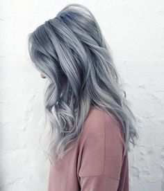 41 Brilliant Ways to Wear Gray and Silver Hair Color Blue tone silver grey by Stephanie Boutard Kalin Icy Blue Hair, Silver Blue Hair, Grey Ombre Hair, Best Ombre Hair, Ombre Hair Color, Cool Hair Color, Grey Hair With Blue, Smokey Blue Hair, Silver Color