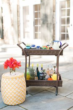 The Perfect Summer Bar Cart with Pier 1 Imports (Style Me Pretty Living) Outdoor Bar Cart, Outdoor Furniture Design, Furniture Ideas, Style Me Pretty Living, Bar Drinks, Drinks Trolley, Fancy Drinks, Summer Parties, Cocktail Parties