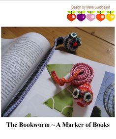 "Wonderfully free pattern for ""The Bookworm - A Marker of Books"" I can make tons of these for friends!  What better way to encourage kids to read!  I love it! ¯\_(ツ)_/¯"