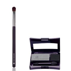 To realize step 3, you will need the Single Eyeshadow in Noir ébène and the Flat Brush. #makeuptips #yvesrocher