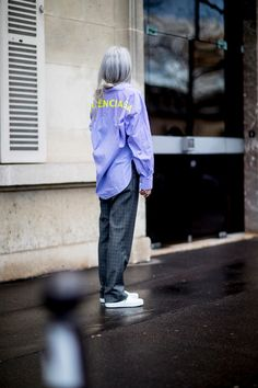 Paris Fashion Week Street Style Fall 2018 Day 6 - The Impression Fashion Week, Paris Fashion, Autumn Fashion, Fashion 2017, Fashion Online, Street Style 2018, Autumn Street Style, Street Styles, Older Women Fashion