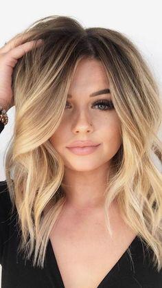 Mittellange blonde haare stylen