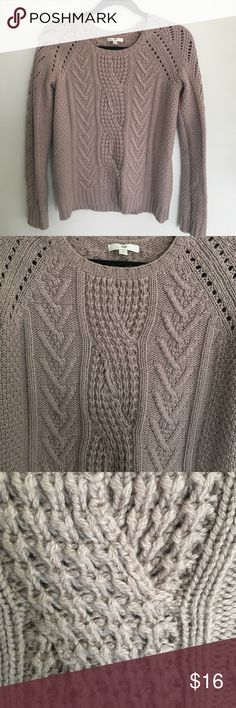 GAP cable sweater. Size S GAP sweater. Size small. Cable pattern. Taupe color. 45% nylon, 28% acrylic, 27% wool GAP Sweaters Crew & Scoop Necks