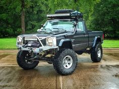 Roof rack headache rack, and chase rack - MJ Tech: Modification and Repairs - Comanche Club Forums Jeep Xj, Jeep Truck, Pickup Trucks, Comanche Jeep, Truck Roof Rack, Jeep Cherokee, Mj, Monster Trucks, How To Memorize Things