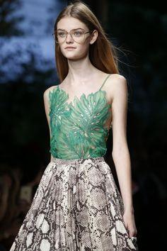 flaizen:  rrrusskaya:  Gucci Spring - Summer 2016. Model: Willow Hand.  F L A I Z E N
