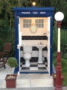 Doctor Who-style Tardis toilet appears on Bristol to Bath cycle path