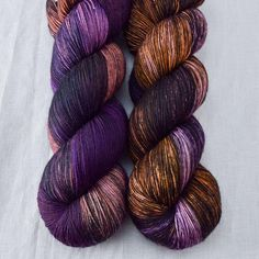 Our Diva is gorgeously attired in shades of warm and cool purples and rich chestnut brown. This colorway can be highly variable, so feel free to give us a call