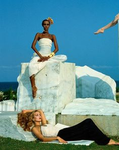 Iman Abdulmajid and Jerry Hall, photo by Norman Parkinson, 1983 Norman, Jerry Hall, Big Country, Iconic Photos, Portrait, Fashion History, Fashion Photo, Style Icons, Photography
