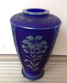 """FENTON FAVRENE COBALT BLUE CONNOISSEUR COLLECTION LTD ED 7 1/2"""" VASE,BEAUTIFUL Fenton Glassware, Vase, Cobalt Blue, Glass Art, Collections, Beautiful, Ebay, Vintage, Color"""