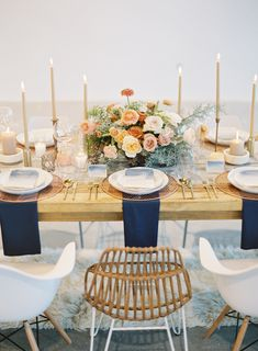 Luxe Wedding Inspiration for the Modern Couple - Mid-century modern wedding table decor: Photography : Sposto Photography Read More on SMP: www. Beach Wedding Reception, Wedding Table Flowers, Luxe Wedding, Wedding Table Settings, Wedding Reception Decorations, Trendy Wedding, Rustic Wedding, Wedding Tables, Wedding Details