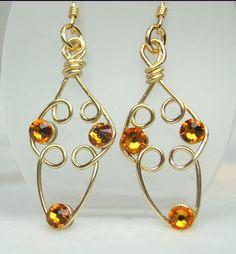 Bernice's Earrings - More design ideas at http://www.wigjig.com/blog/1786-bernices-wigjig-wire-earrings.