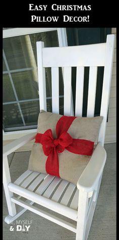 Easy Christmas pillow décor.  #burlap #pillow #Christmas