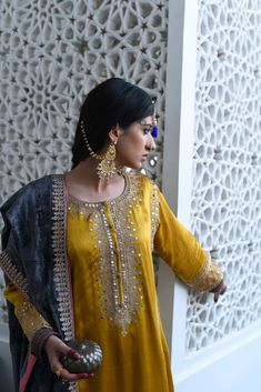 Dress Indian Style, Indian Outfits, Indian Clothes, Emo Outfits, Emo Dresses, Fashion Dresses, Party Dresses, Pakistani Wedding Dresses, Pakistani Suits