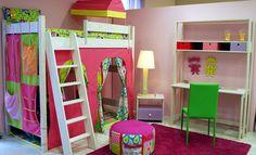 παιδικό δωμάτιο με έντονα χρώματα