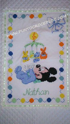 healthy breakfast ideas for kids images clip art designs for women Cross Stitch Owl, Baby Cross Stitch Patterns, Crochet Chart, Crochet Baby, Hand Embroidery, Embroidery Designs, Baby Disney, Baby Quilts, Kids Rugs