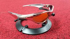 Oakley Sunglasses OFF!>> Well bet youve never seen these Oakleys Before! Oakley Eyewear, Oakley Glasses, Cycling Glasses, Sunnies, Sunglasses, Trench Coat Men, Athletic Gear, Cool Gear, Moda Fashion